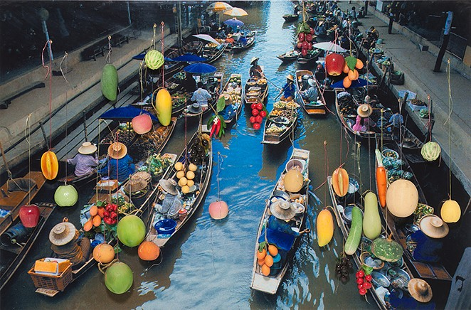 Surasi Kusolwong, Small is Beautiful (Gold Floating Market) (2002) - COURTESY