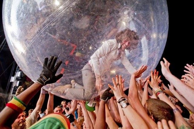 Headliner's the Flaming Lips - FACEBOOK