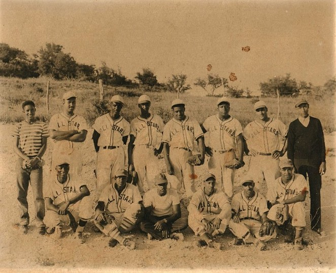 KERRVILLE ALL STARS, CIRCA 1949, COURTESY OF CLIFTON FIFER