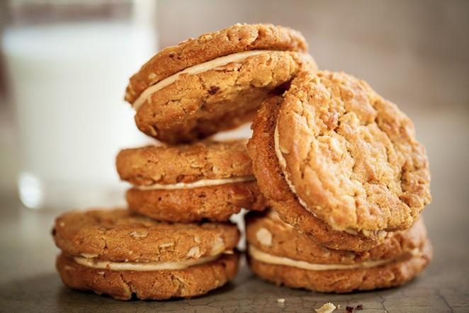 Rebecca Masson's cookies - FLUFFBAKEBAR.COM