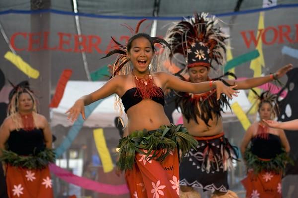 hawaiian_dancers_2742.jpg
