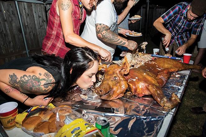 pig-roast-10-_-ismael-rodriguez..jpg