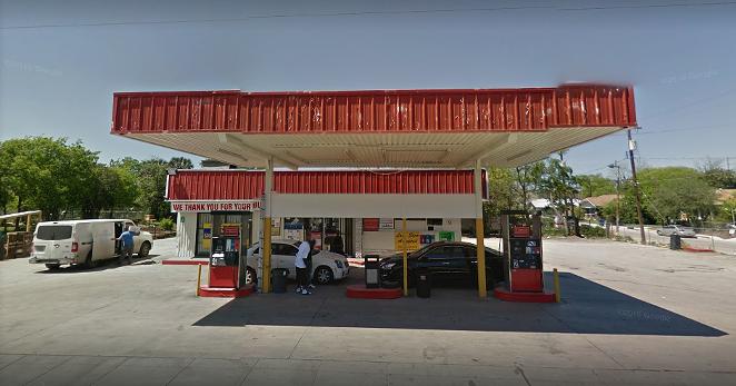 The City of San Antonio ordered the Handy Stop on the 600 block of North New Braunfels Avenue shut down. - GOOGLE SCREENSHOT