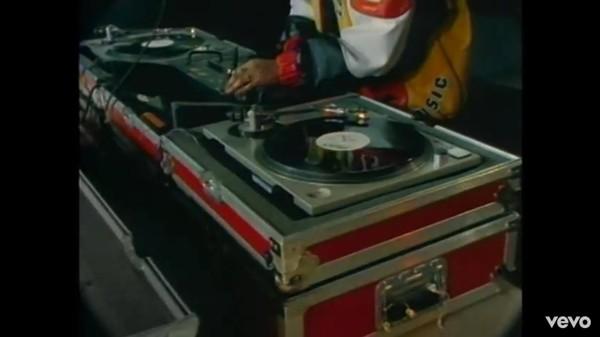 "Salt-N-Pepa's  ""Push It"" video - A STILL FROM THE ""PUSH IT"" MUSIC VIDEO"