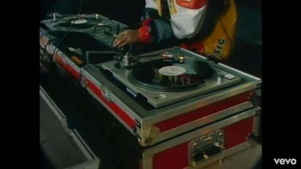 "Salt-N-Pepa's  ""Push It"" video - A STILL FROM THE ""PUSH IT"" MUSIC VIDEO"