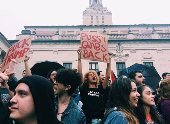 University of Texas students protesting on Wednesday afternoon - YSENIAVALDEZ