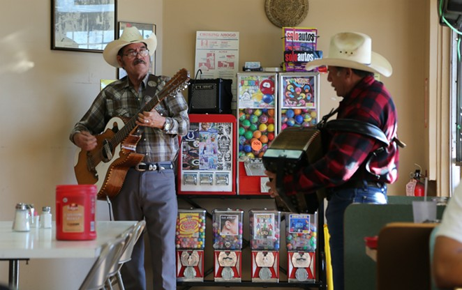 Dueto Vendaval performs at Pancho's Mexican Restaurant on the West Side. - BEN OLIVO
