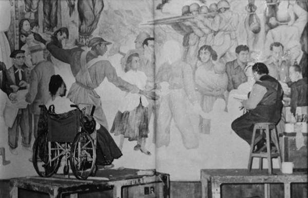 JUAN GUZMÁN RETRATA A FRIDA Y DIEGO ANTE EL MURAL PESADILLA DE GUERRA Y SUEÑO DE PAZ, PALACIO DE BELLAS ARTES, CIUDAD DE MÉXICO, 1952