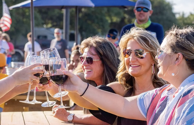Splashway Waterpark and Campground will host a family-friendly outdoor market and wine walk during two weekends in April. - INSTAGRAM / SPLASHWAY