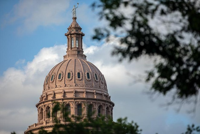 The sun sets on the state Capitol in Austin, on May 27, 2021. - TEXAS TRIBUNE / MONTINIQUE MONROE
