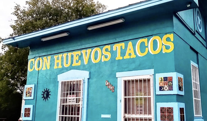 Con Huevos Tacos will close to give employees a vacation. - INSTAGRAM / CONHUEVOSTACOS