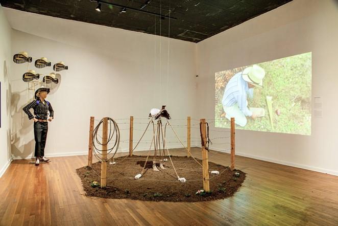 Jose Villalobos, Los Pies Que Te Cargaron, 2020, dimensions variable - COURTESY OF JOSÉ VILLALOBOS AND MEXIC-ARTE MUSEUM