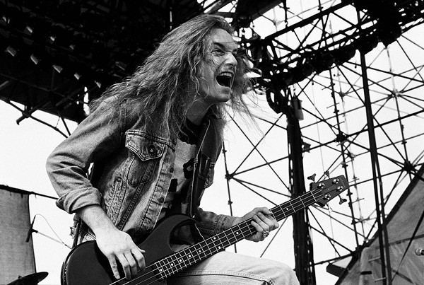 Cliff Burton - HTTPS://WWW.FACEBOOK.COM/METALLICA/