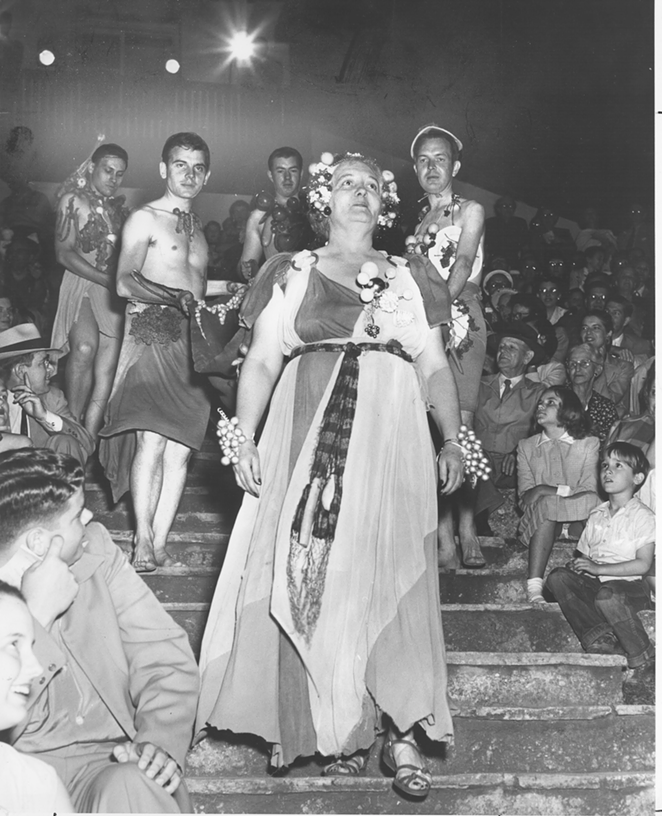 Kay Crews as Her Asthmatic Majesty, 1952 (courtesy of the Playhouse and the San Antonio Public Library Texana Collection)