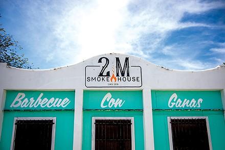 2M SMOKEHOUSE, PHOTO BY JAIME MONZON