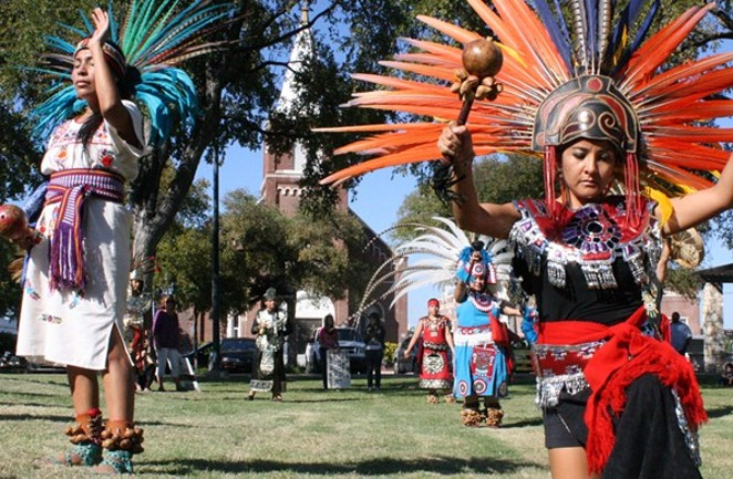 Dancers at Columbus Park during the 2010 Indigenous Rights March.