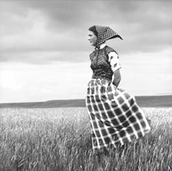 Laura Wilson, Hutterite Girl in Field, Duncan Ranch Colony, Harlowton, Montana (Briscoe Western Art Museum)
