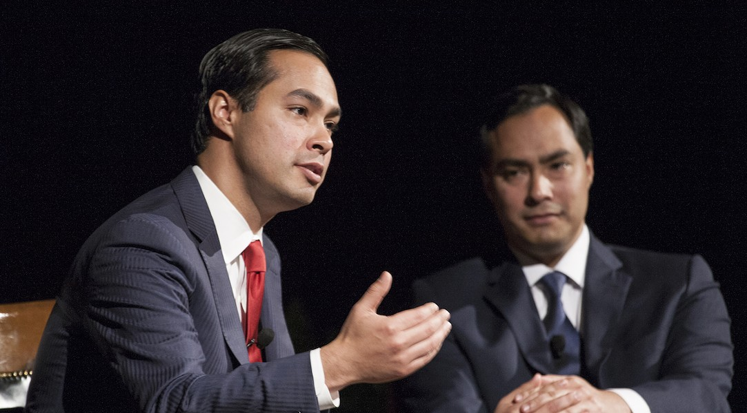 Julian Castro (foreground) makes a point while his brother Joaquin looks on. - WIKIMEDIA COMMONS