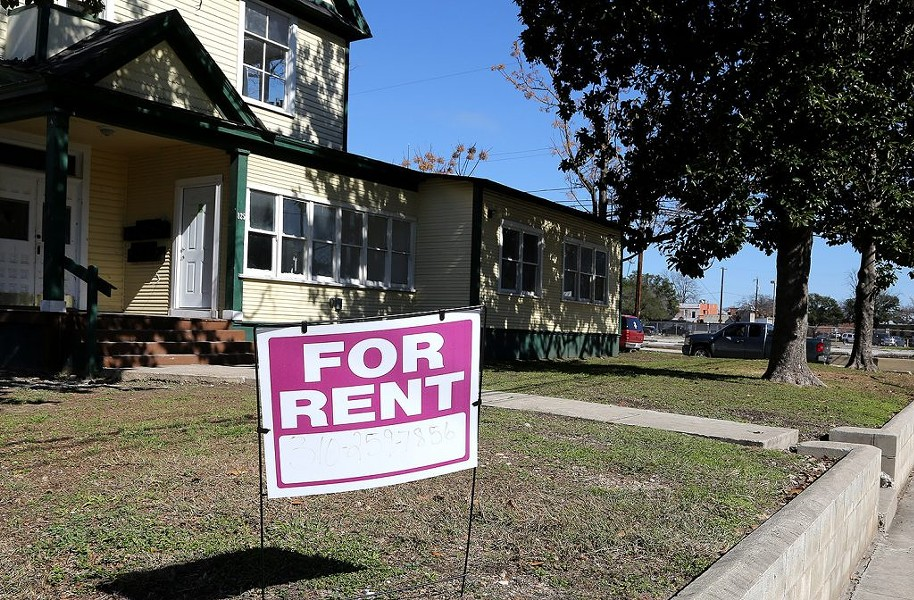 Renters occupy roughly 46% of housing units in San Antonio, according to data pulled from the 2012-2016 American Community Survey by Councilman Roberto Treviño's office. - BEN OLIVO