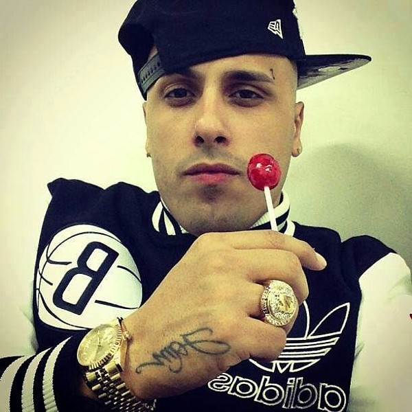 How many licks does it take to get to the Tootsie Roll center of a Tootsie Pop, Nicky Jam? - PHOTO VIA BEAUTY.LIVE.LIFE'S PINTEREST