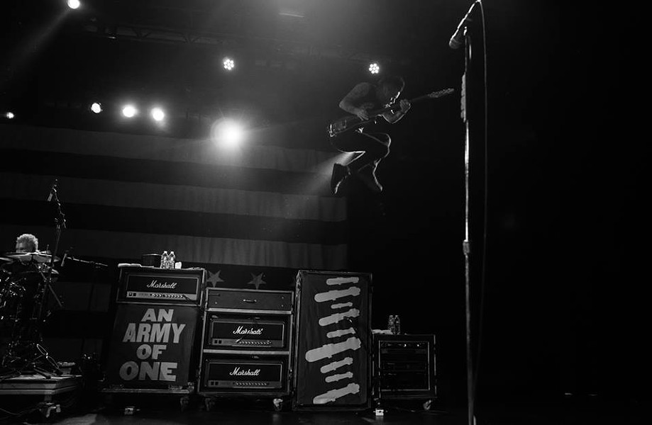 HTTPS://WWW.FACEBOOK.COM/ANTI.FLAG.OFFICIAL/