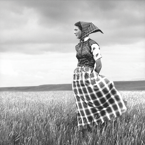 Laura Wilson, Hutterite Girl in Field, Duncan Ranch Colony, Harlowton, Montana (Briscoe Western Art Museum)