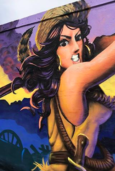 """Check Out This """"Sexy Davy Crockett"""" Mural on San Antonio's Westside"""