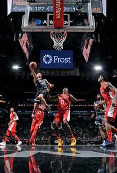The San Antonio Spurs put away the Washington Wizards Sunday night, 132-119.