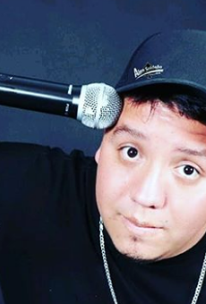 Mexican Comedian Alan Saldaña Brings 'Sin Sombrero' Tour, Completely in Spanish, to the Aztec