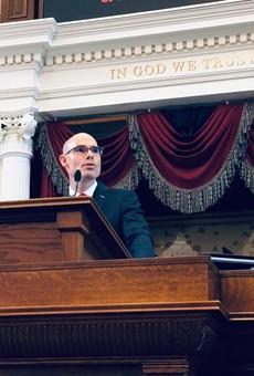 Dennis Bonnen addresses the Texas House during the start of the 2019 Legislative Session.