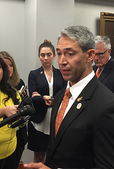 Mayor Ron Nirenberg, pictured here at a 2018 press conference, plans to ask city council to extend the current stay-at-home order through the end of the month.