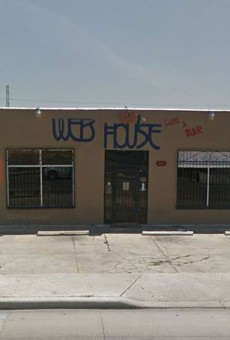 San Antonio Bar Web House Cited for Serving Alcohol to Customers Waiting for Takeout