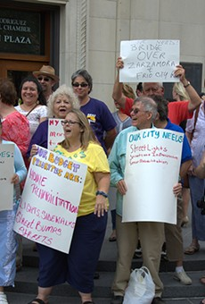 SA members of the Service Employees International Union rallied last week in front of city hall.