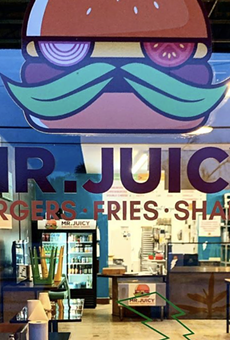 Twitter users stick up for San Antonio burger joint Mr. Juicy in its dispute with Longhorn Cafe (4)