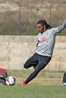 Sebastian Thuriere takes a free kick in SAFC training.