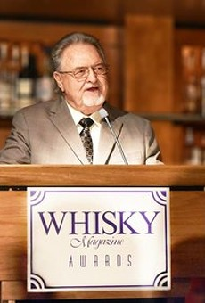 Master Distiller Emeritus Willie Pratt accepts his induction to The Whisky Magazine Hall of Fame in 2017.