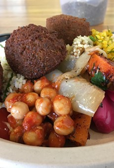 The plate with Spicy Red falafel