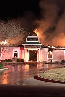After Texas Mosque Destroyed, Muslim Community Given Keys to Synagogue