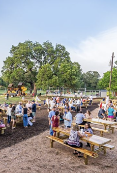 Boerne restaurant Dog & Pony Grill will hold a Spring Fling bash this weekend.
