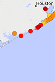 There's so much poop along the Texas Coast, swimming could make you sick, new report says