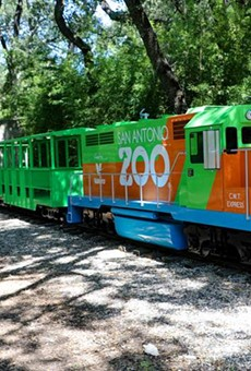 The first new San Antonio Zoo train is now in operation.