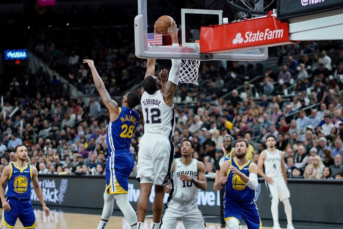NATIONAL BASKETBALL ASSOCIATION: Spurs beat Warriors to extend win streak