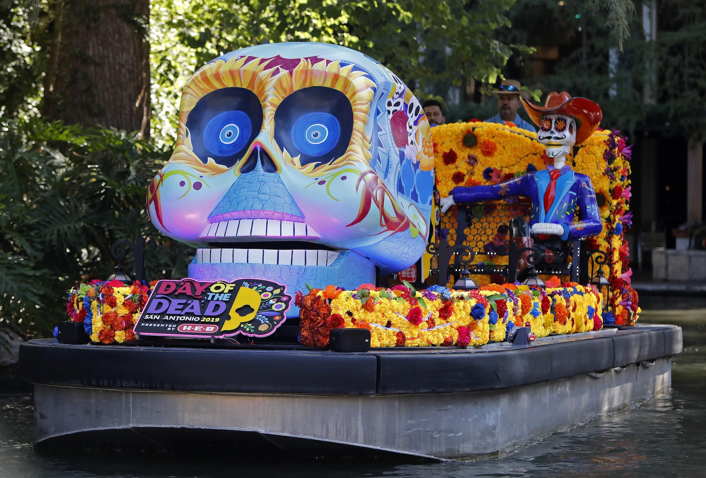 San Antonio Riverwalk Halloween 2020 Where to Celebrate Día de Los Muertos in San Antonio This Year