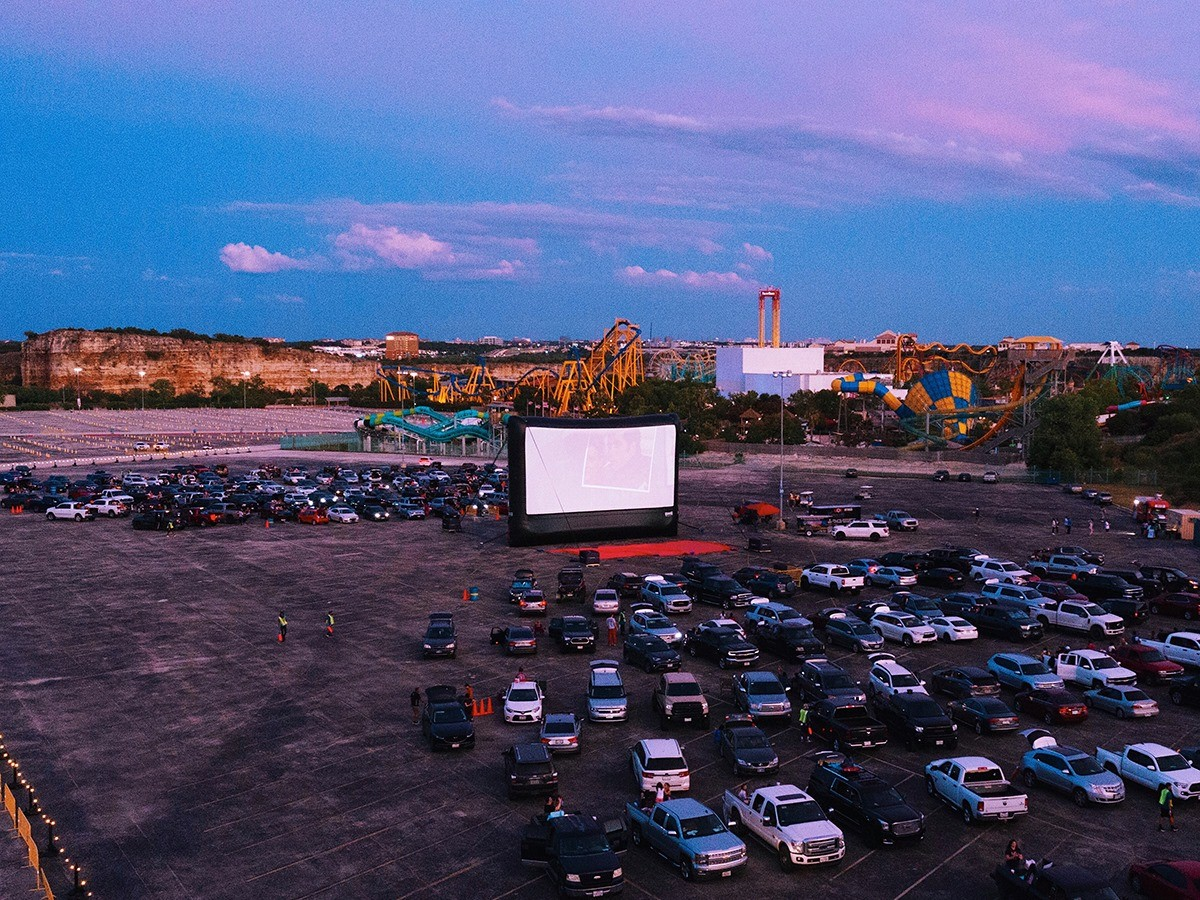 Magic In The Air Rooftop Cinema Club Expands Into San Antonio Offering Pop Up Drive In Movie Theater Experience Film San Antonio San Antonio Current