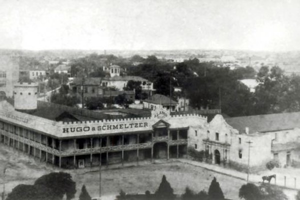 The Alamo, circa 1890. - UTSA INSTITUTE OF TEXAN CULTURES