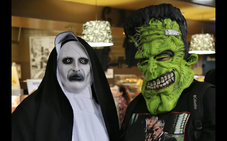 Halloween Costume Contest Dallas 2020 San Antonio Halloween staple Monster Con returns from the dead for