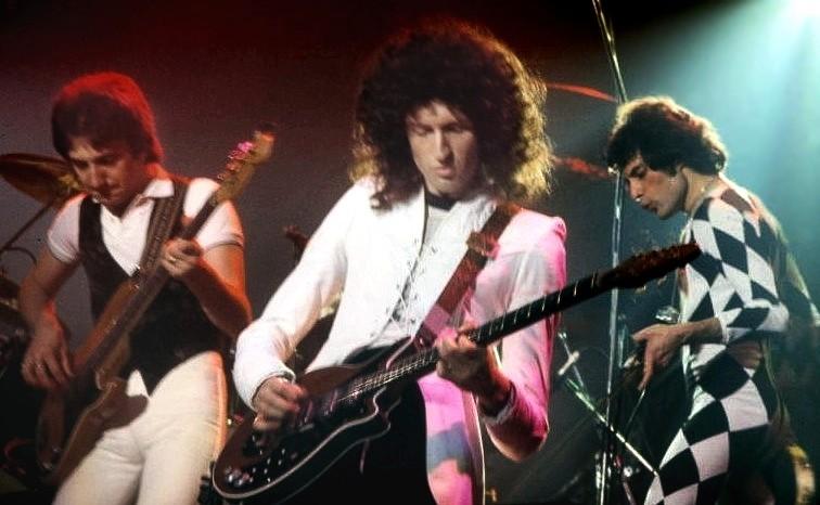 Queen's Brian May in mid-WWHhhaaaahhhhAAAAAHHHH!!!! - COURTESY