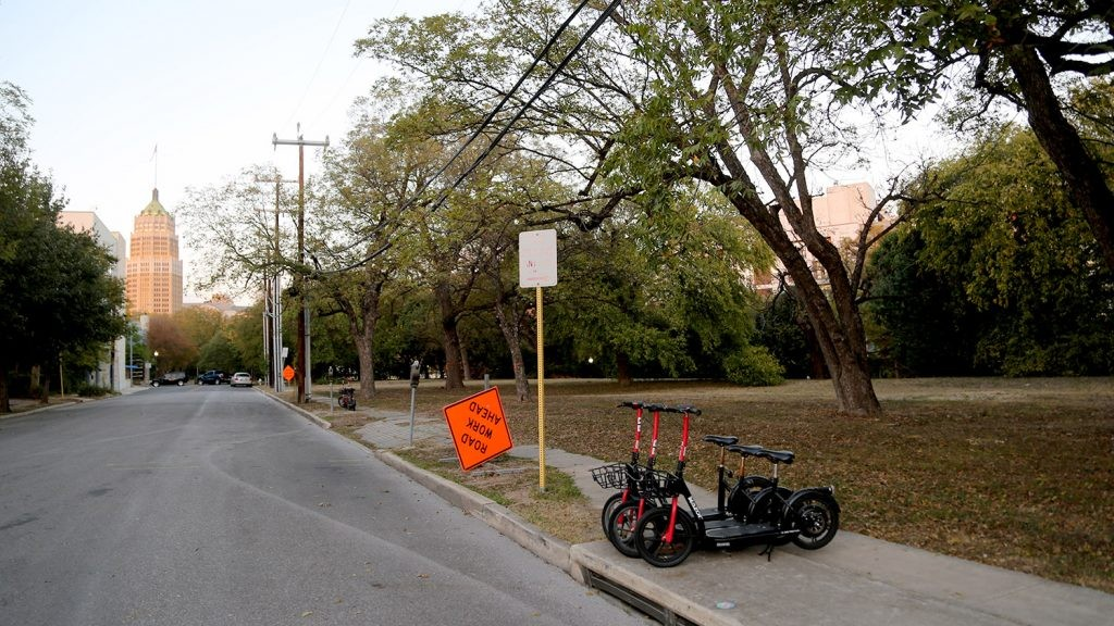 This River Walk property at Aubrey Street and East César E. Chávez Boulevard was recently purchased by H-E-B. - BEN OLIVO / SAN ANTONIO HERON
