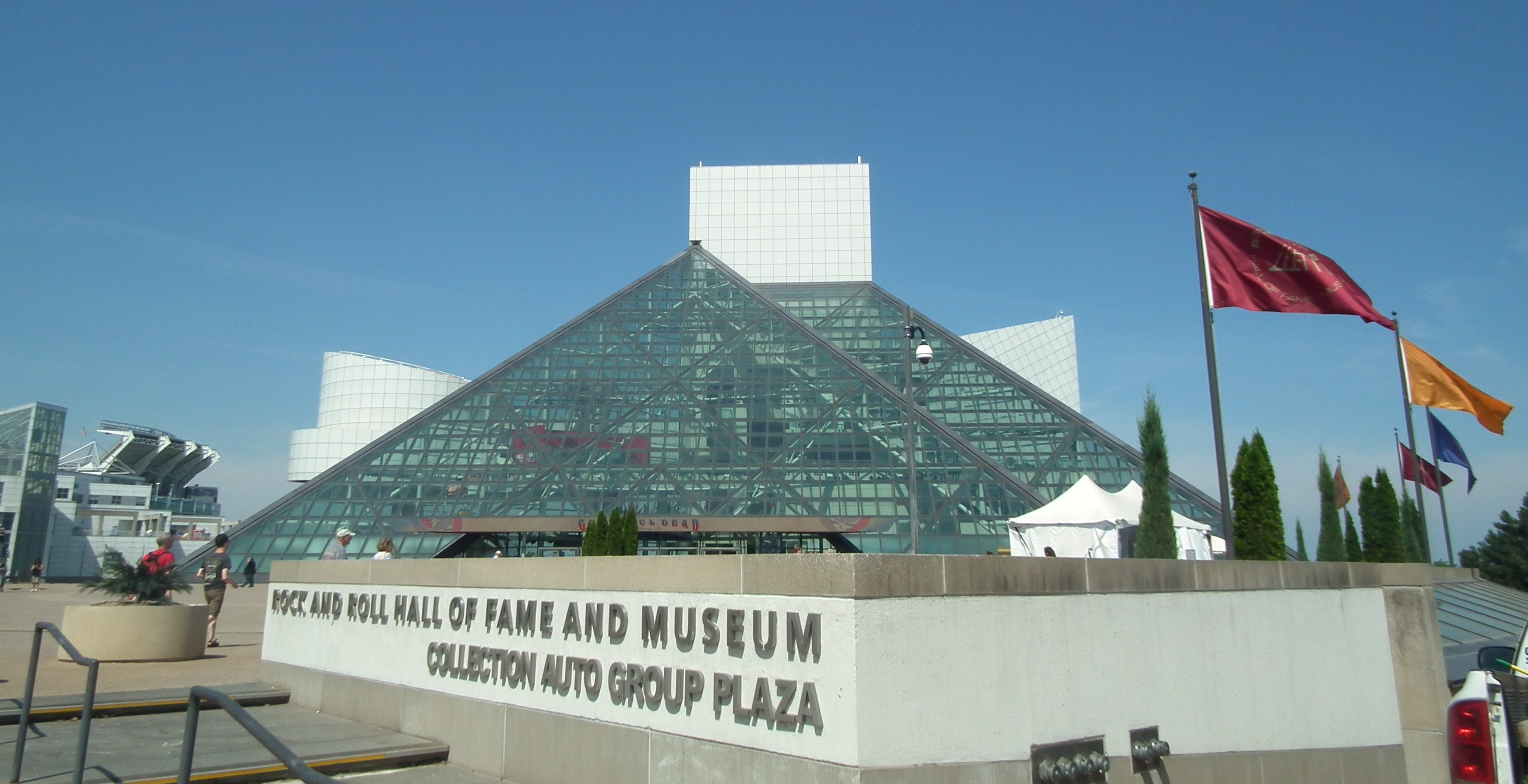Rock and Roll Hall of Fame Further Distances Itself from Rock \'n ...