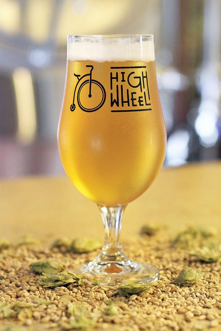 highwheel-beerworks-_-michelle-lorentzen-img_0228.jpg